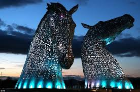 PAMIS Visit the Kelpies with the Mobiloo